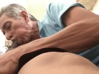 MEXICAN DAD BLOWS CHACAL