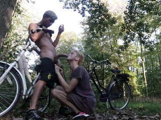 Smoking + Sucking huge cock in the forest- MrTwink_MrTwunk