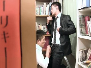 jap business man cumming in library