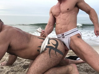 A Suck And F-ck Session On The Beach