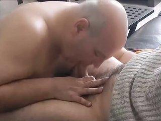 im sucking an arab man