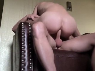 bareback fucking on a chair - sentando na vara