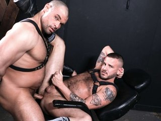 Sean Harding & Jaxx Thanatos in Leather Newbie - PrideStudios