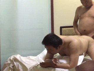 Chinese - Daddy in the Hotel