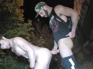 Redneck Barebacks by the Roadside