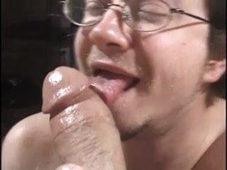 Daddy sucks olderman's fat cock