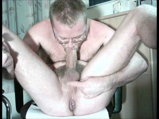 HARRI LEHTINEN SUCKING HIS COCK AND EATING EVERY DROP OF HIS SWEET CUM!