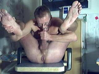 HARRI LEHTINEN WANKING, SELFSUCKING AND EATING HIS OWN SWEET TASTY CUM!