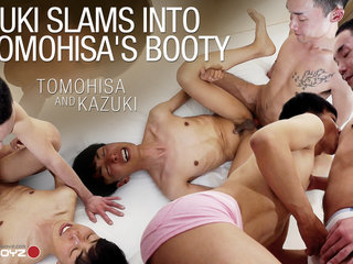 Kazuki Slams Into Tomohisa's Booty - JapanBoyz