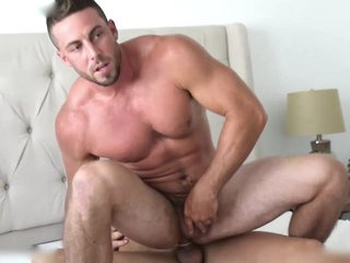 New Model Brady Corbin Fucks Derek Jones