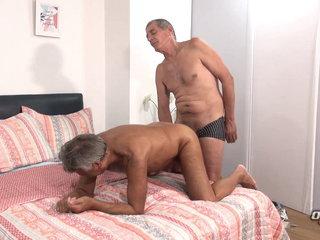 Gorgeous Mature Man Takes a Big Dick