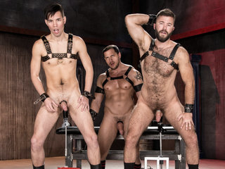Gage Lennox & Joey D & Issac Lin in Deep Hole Dungeon - ClubInfernoDungeon
