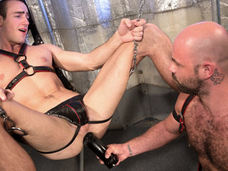Hole Busters 10 featuring Rogue Status, Byron Saint - FistingCentral