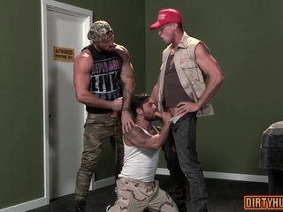 Muscle bear threesome with facial cum